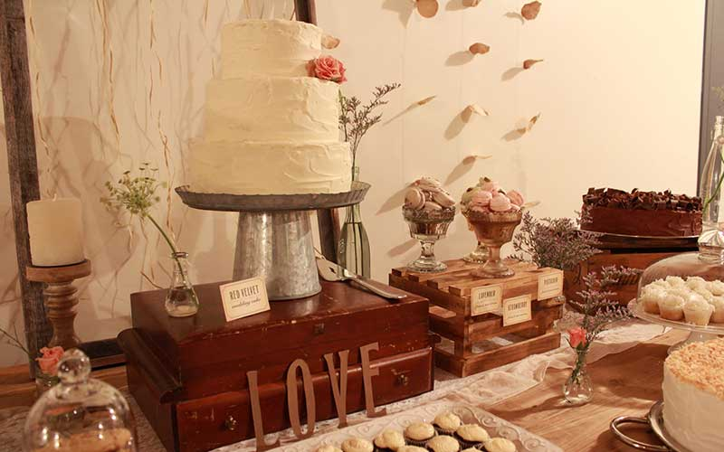 Sweet-Table-for-Vintage-Wedding-Party-Idea